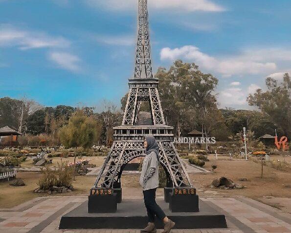 the world landmark merapi park